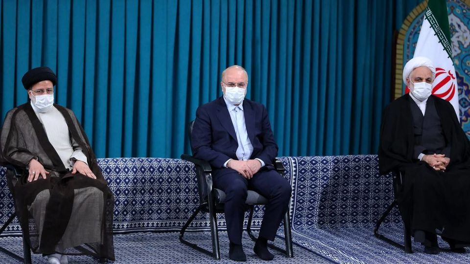 دیدار میهمانان کنفرانس وحدت اسلامى و جمعی از مسئولان نظام با رهبر انقلاب