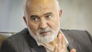 احمد توکلی: ایستادگی یک قاضی جوان مقابل نماینده پرقدرت ستودنی است/ مردم نباید از نقد قاضی بترسند