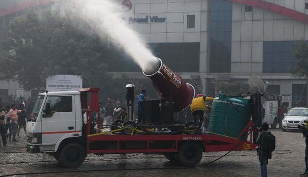 عکس/ راهکار جالب دولت هند برای مقابله با آلودگی هوا