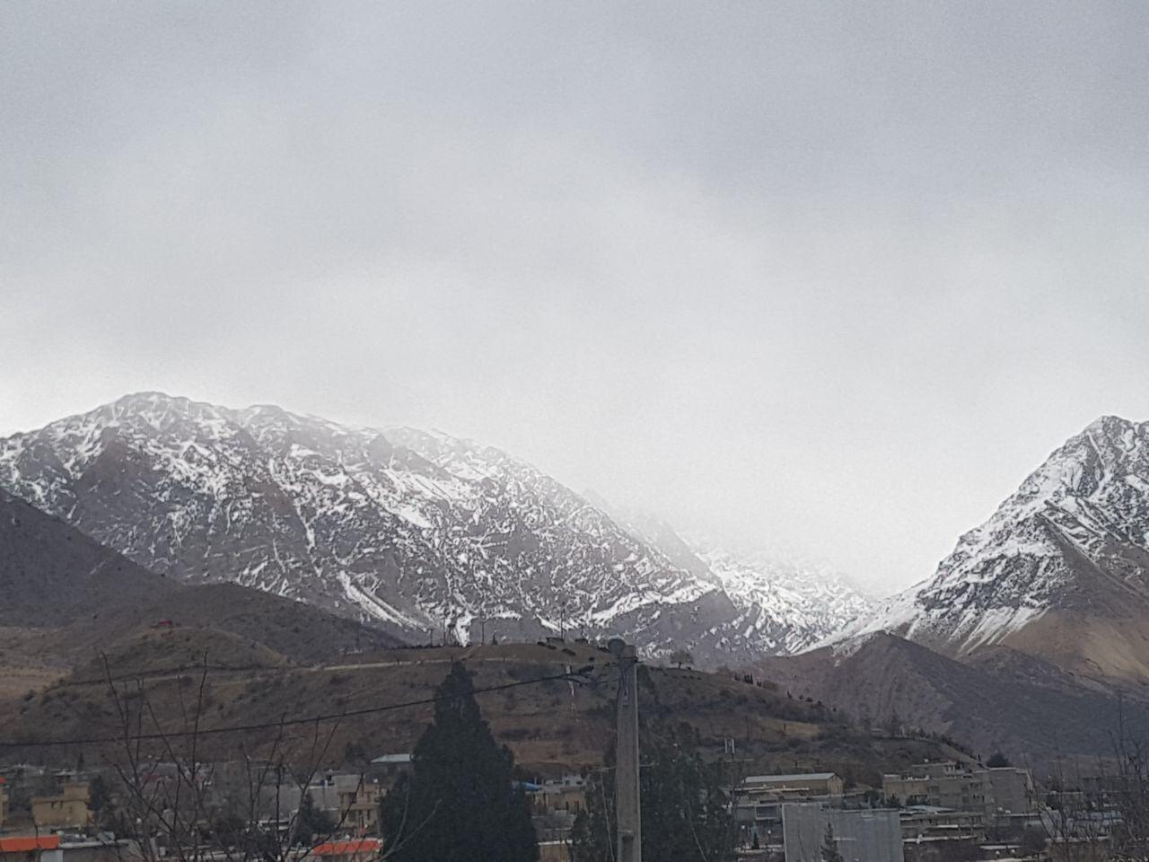 بارش برف درارتفاعات دنا آغاز شد