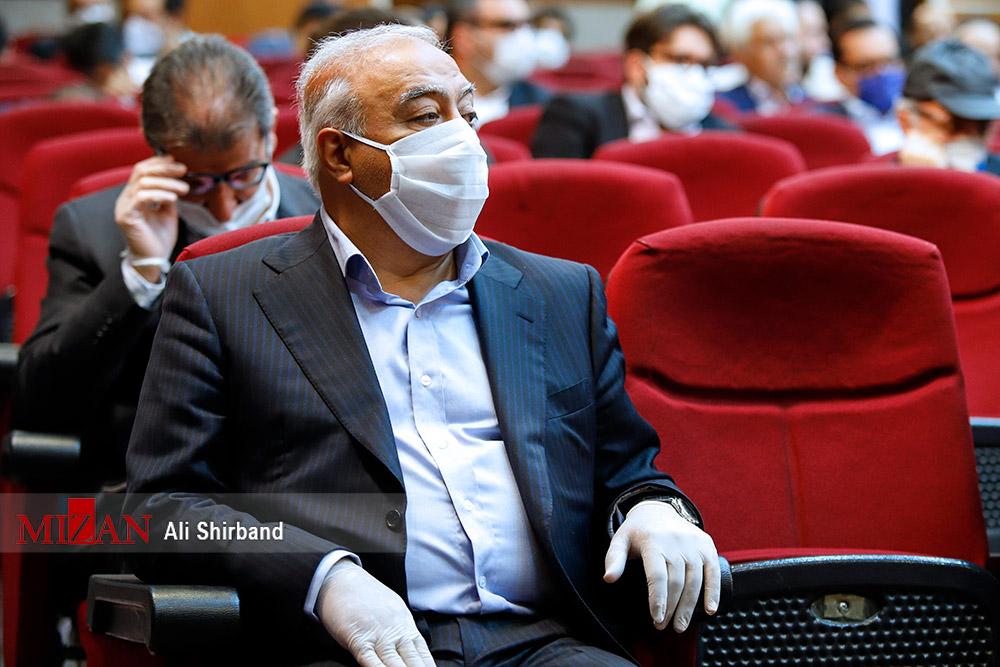 ابر بدهکار بانکی در جلسه دادگاه طبری