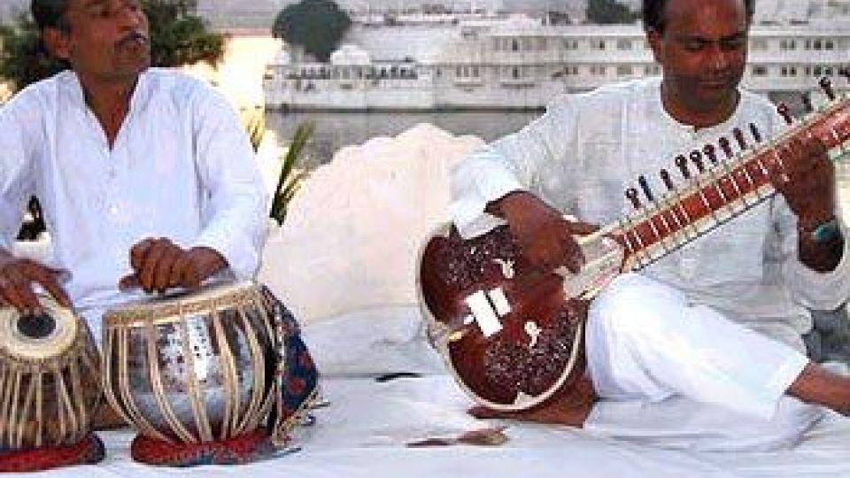 اجرای موسیقی سنتی هند در فرهنگستان هنر
