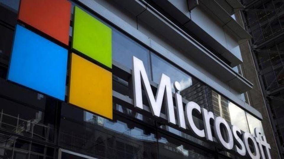 مایکروسافت حق اختراع یک نوتبوک 2 صفحهای خمشدنی را ثبت کرد