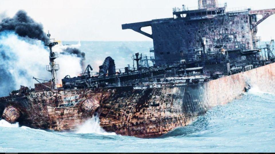 عملکرد چین در حادثه نفتکش سانچی/ ایران می تواند از چین شکایت کند؟