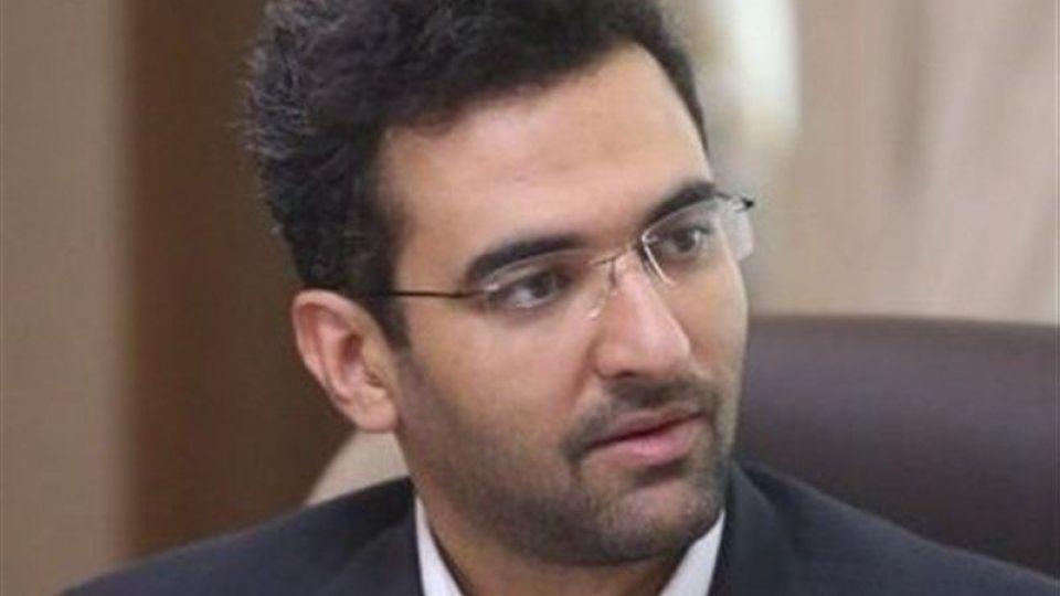 آذری جهرمی: برای کاهش اقبال به پیامرسانهای خارجی باید با مردم صحبت کنیم