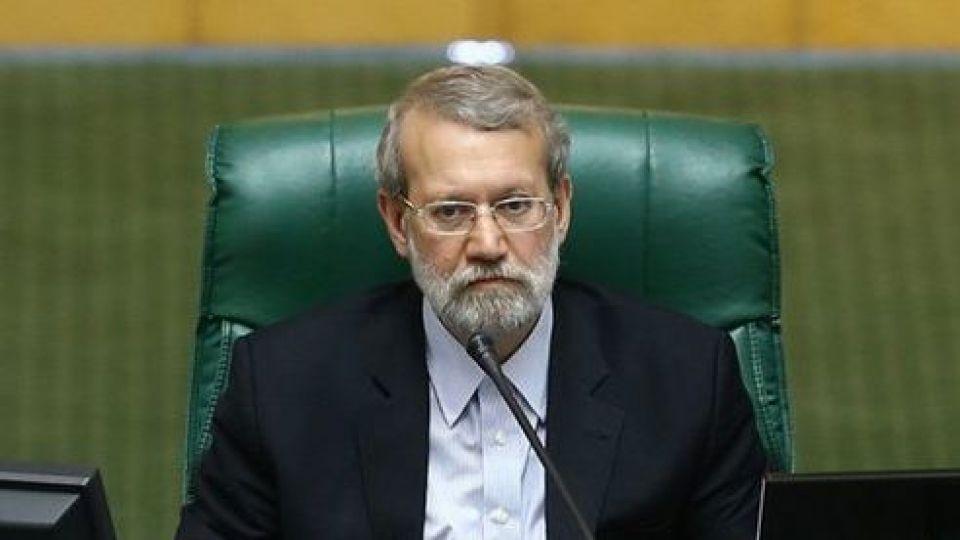 لاریجانی: مجلس هیچ تصمیمی برای سهمیهبندی بنزین نگرفته است