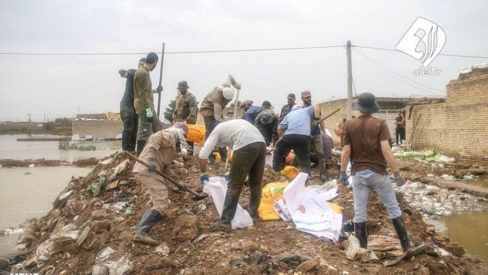 حضور جوانان لبنانی در امدادرسانی به مناطق سیلزده خوزستان - 4
