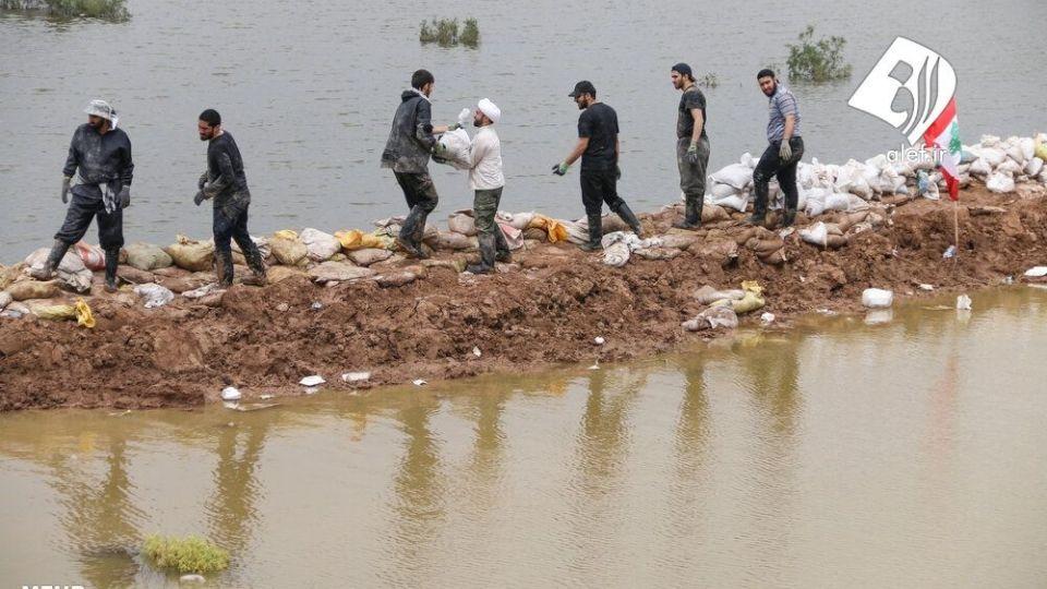 حضور جوانان لبنانی در امدادرسانی به مناطق سیلزده خوزستان - 11