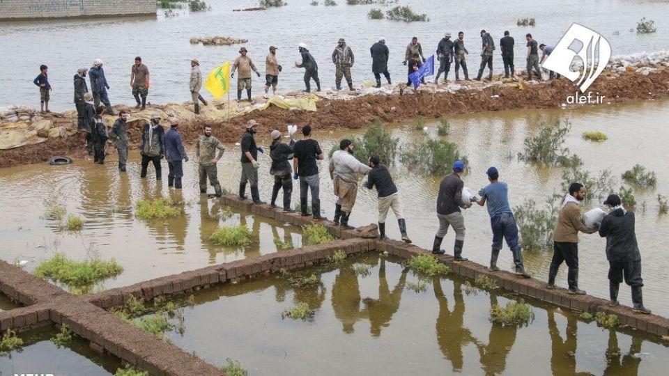 حضور جوانان لبنانی در امدادرسانی به مناطق سیلزده خوزستان - 12