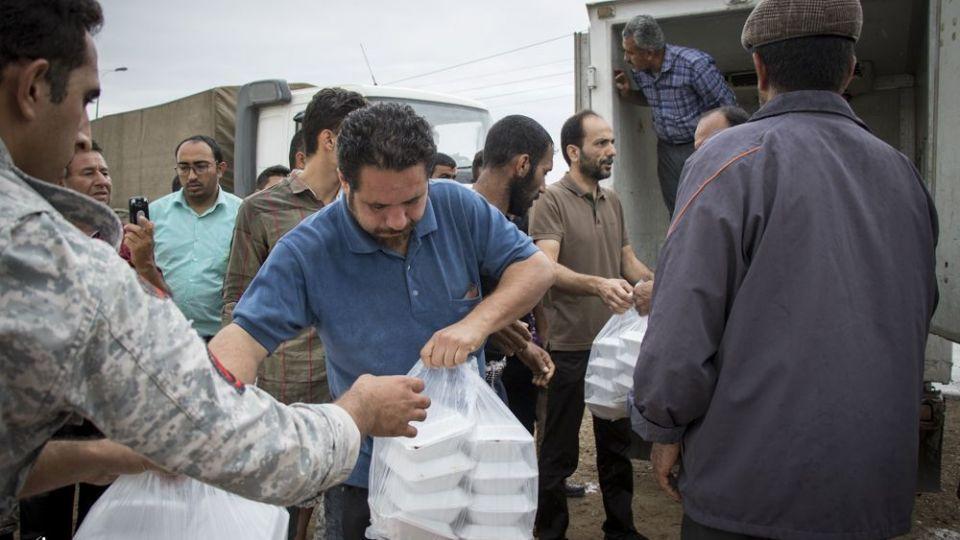 امدادرسانی مواکب به سیلاب خوزستان - 12