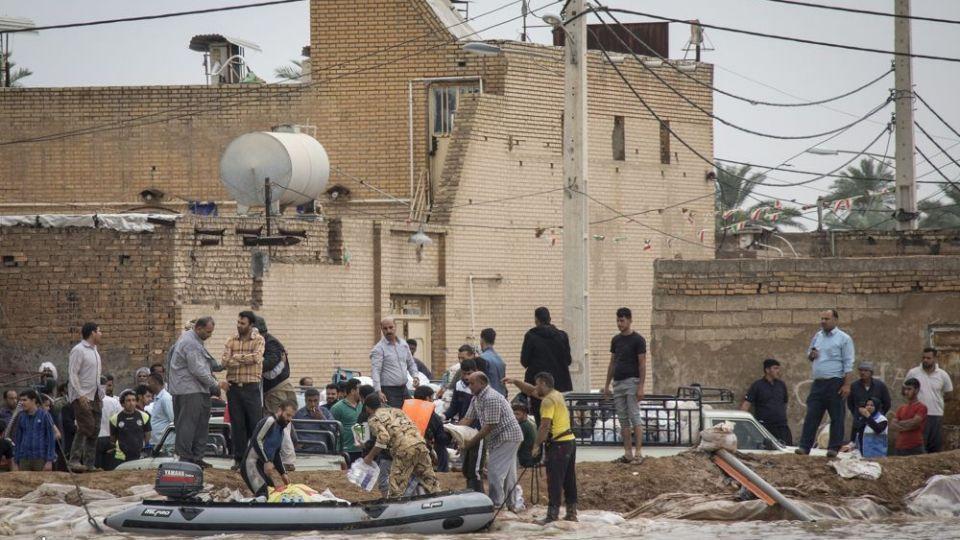 امدادرسانی مواکب به سیلاب خوزستان - 16