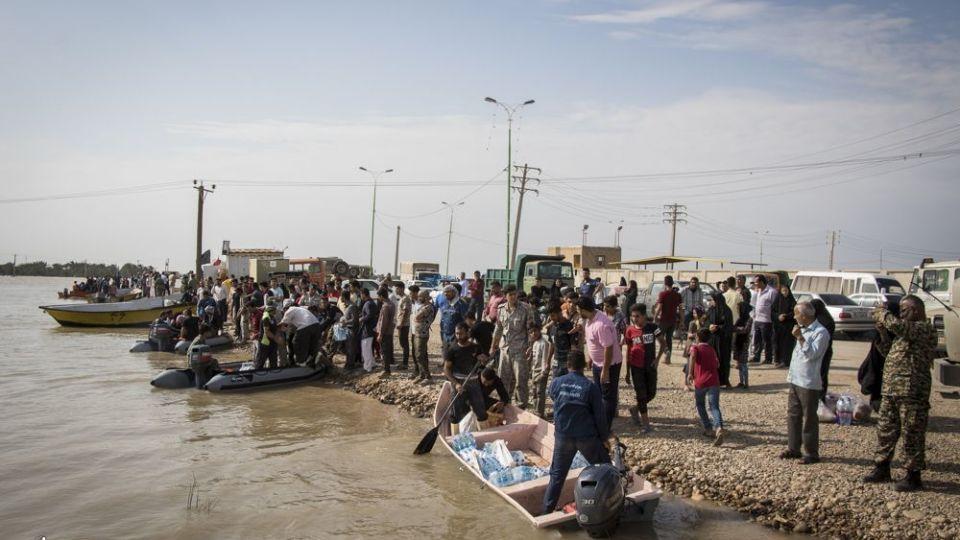 امدادرسانی مواکب به سیلاب خوزستان - 19