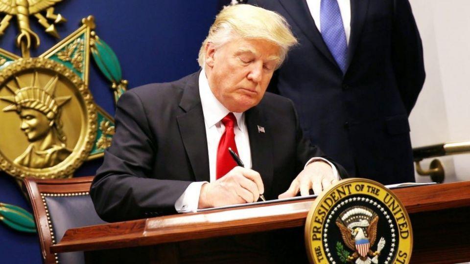 پایان معافیتهای نفتی و ادامه سیاست فشار حداکثری ترامپ/ پاسخ ایران چه خواهد بود؟