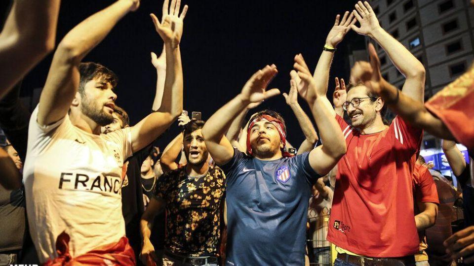 شادی خیابانی مردم تهران بعد از قهرمانی پرسپولیس