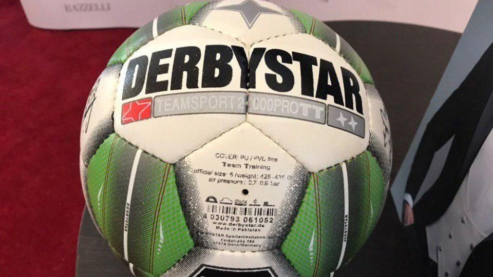 گزارش تصویری از مراسم برترینهای لیگ برتر فوتبال در فصل 97-98