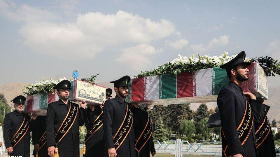 تشییع شهدای گمنام در نمایشگاه بین المللی تهران