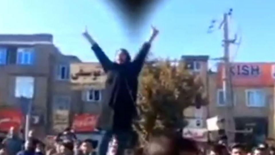 حکایت زنانی که برای اغتشاش به ایران آمدند