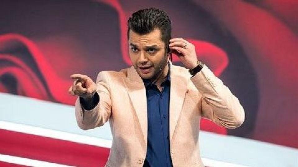 مجری پرحاشیه به تلویزیون بازگشت