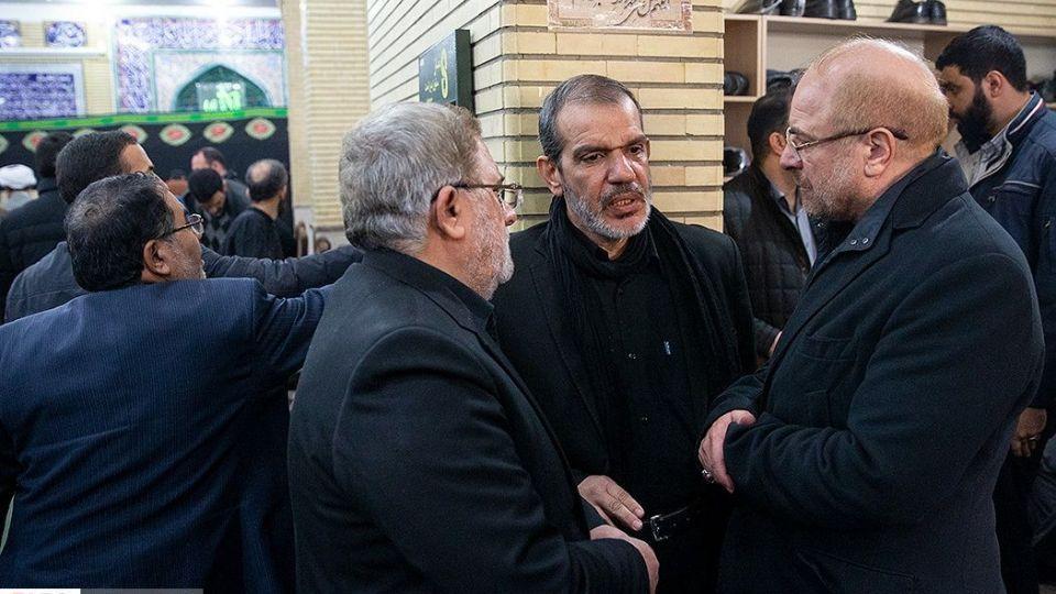 حضور مردم و مسئولین در منزل شهید«حاج قاسم سلیمانی»