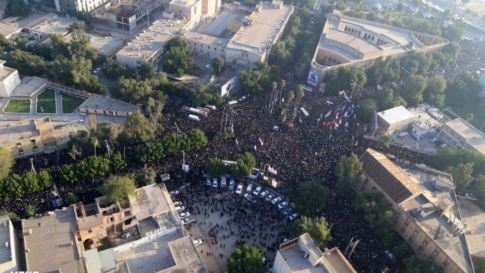 تصاویر هوایی از تشییع شهید سپهبد سلیمانی در اهواز