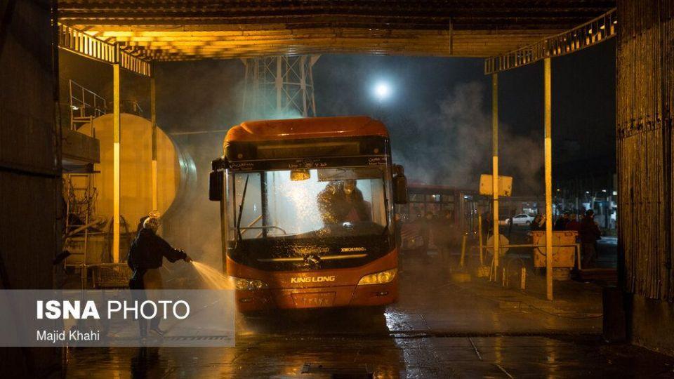 ضدعفونی کردن اتوبوسهای BRT برای پیشگیری از ابتلا به ویروس کرونا