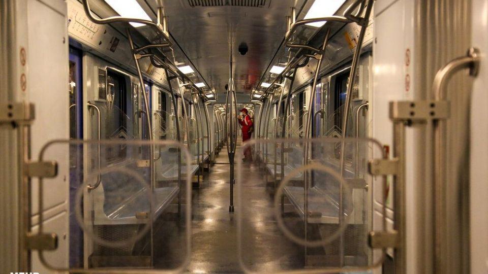 ضدعفونی کردن شبانه خطوط قطارشهری مشهد