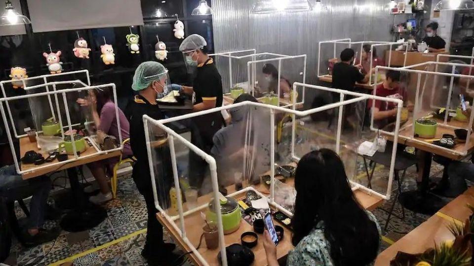 اجرای جالب طرح فاصله گذاری اجتماعی در بانکوک