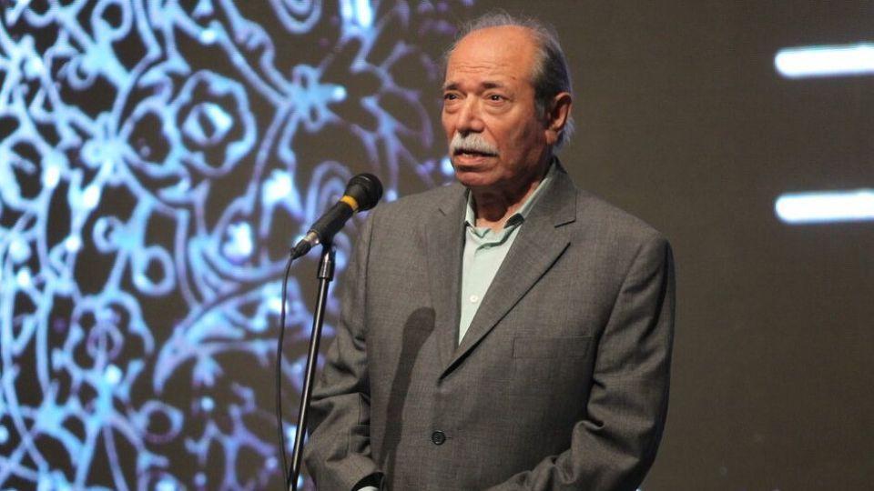 علی نصیریان: برای کمک به کادر درمان در خانه بمانیم