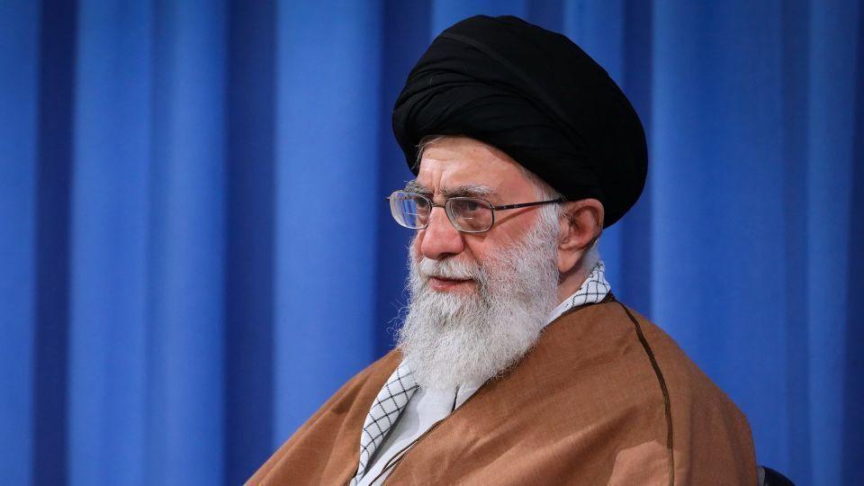 سخنرانی رهبر انقلاب جمعه ۱۰ مرداد