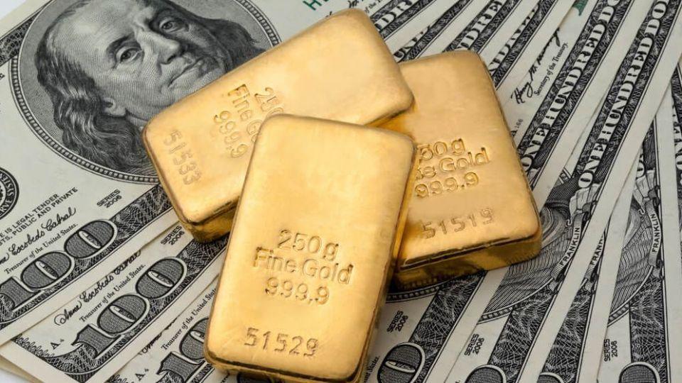 قیمت طلا و دلار کاهش یافت/ سکه ۱۵ میلیون تومان شد + جدول