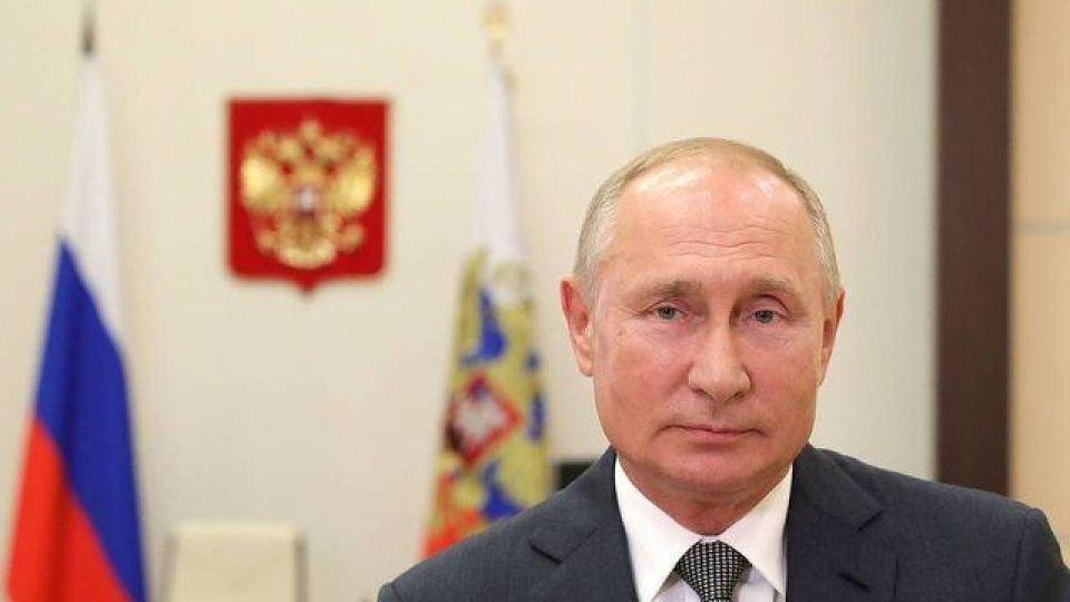 چگونه از پوتین در برابر کرونا محافظت می شود