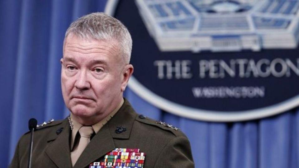 فرمانده سنتکام: ایران نیمنگاهی به ارتباط با بایدن دارد