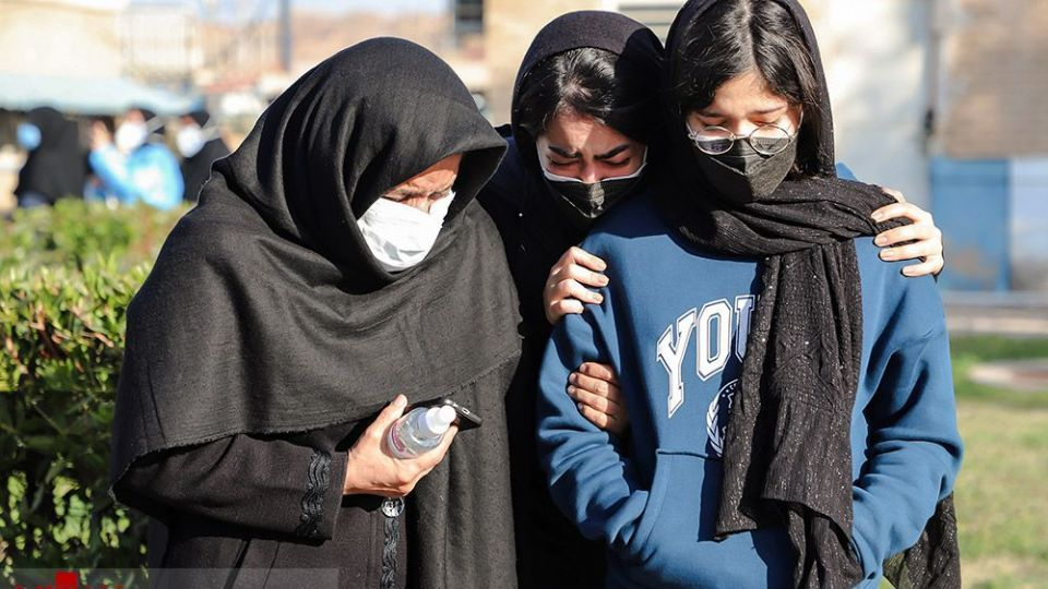 تشییع پیکر شهیده مدافع سلامت در اهواز
