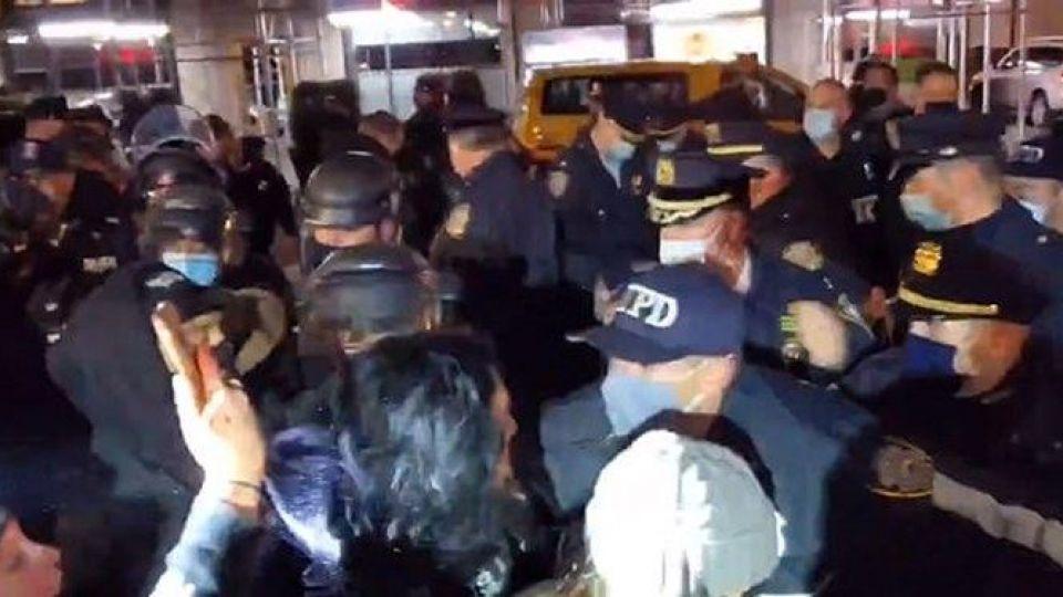 هجوم پلیس نیویورک به شرکتکنندگان در تجمع ضدنژادپرستی