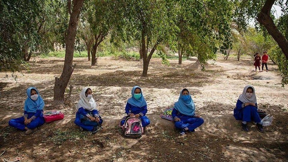 تدریس معلمین در روستاهای محروم شادگان