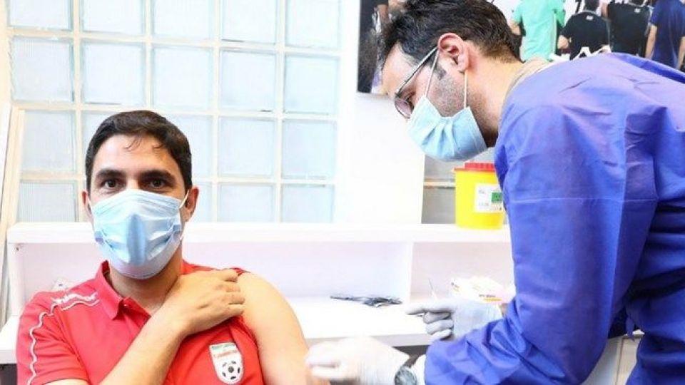 بازیکنان و کادر فنی تیم ملی فوتبال واکسن کرونا زدند