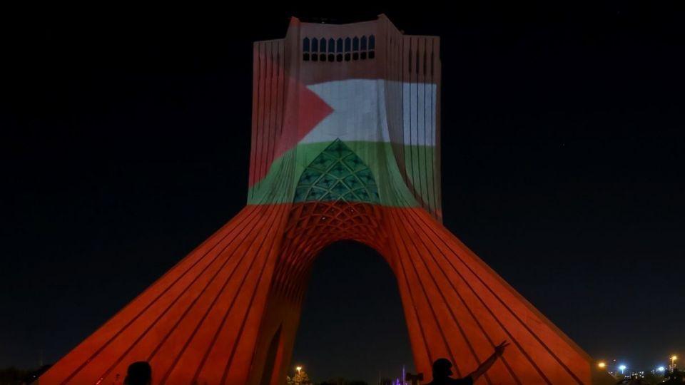 نورپردازی سه بعدی همدردی با مردم مظلوم غزه - برج آزادی