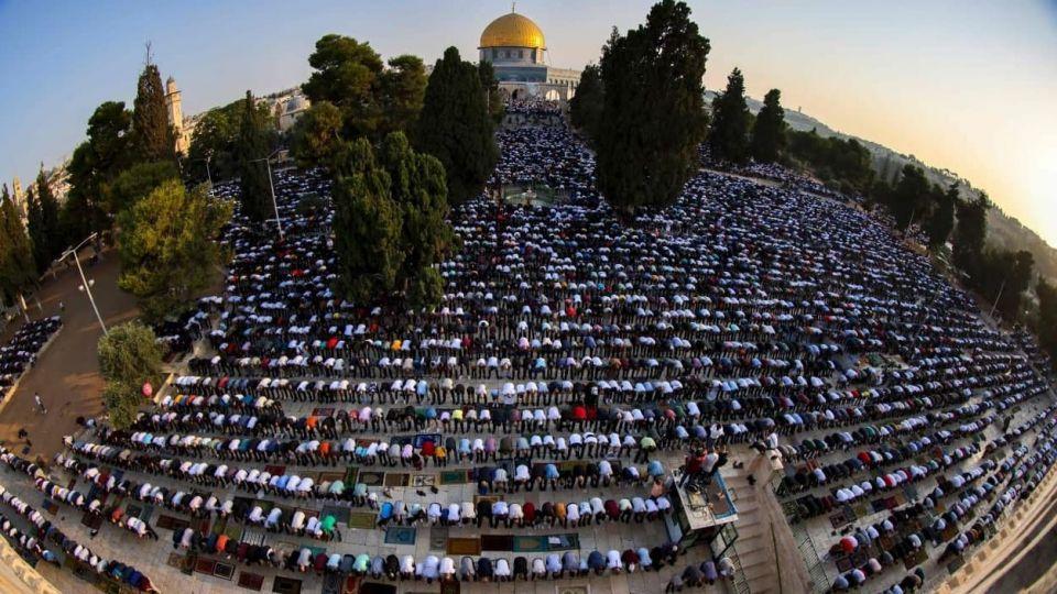 بیش از ۱۰۰ هزار فلسطینی نماز عید قربان را در مسجد الاقصی به جا آوردند