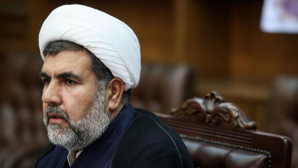 غضنفرآبادی: روحانی مسئولیت ناکامی دولتش را بپذیرد / برجام سند عهدشکنی آمریکاست