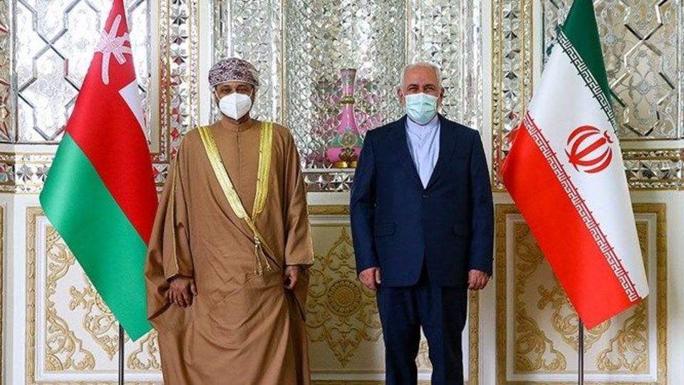 وزیر خارجه عمان با ظریف دیدار کرد + عکس