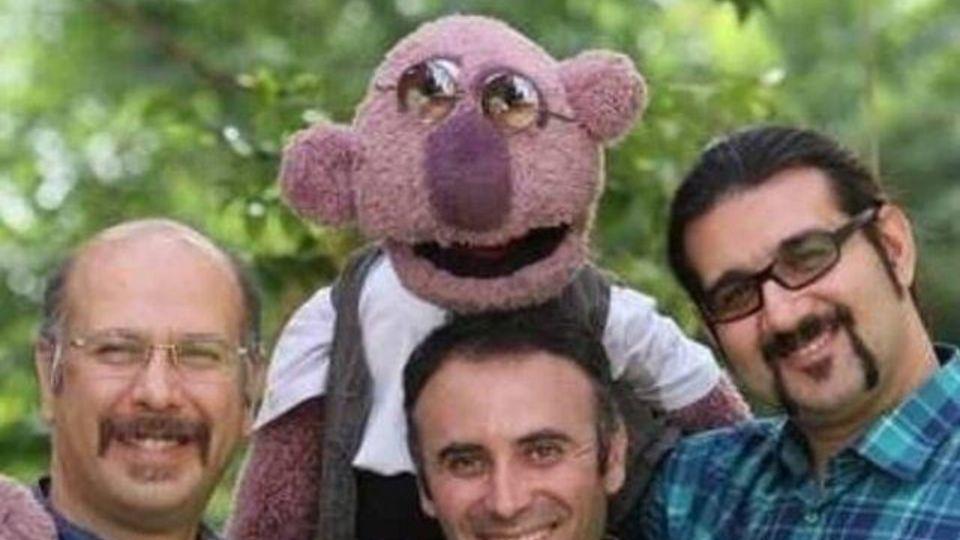 عروسک گردان های جناب خان چه کسانی هستند؟