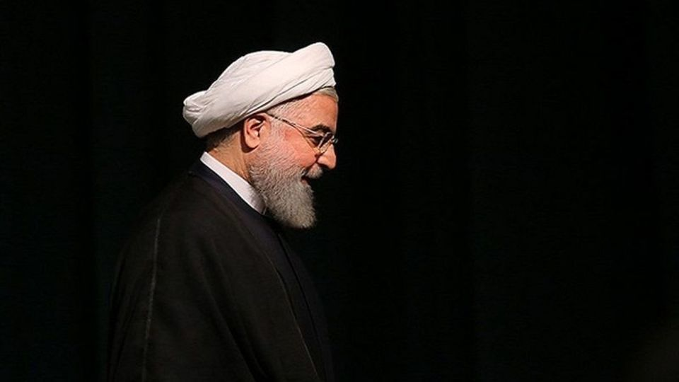 روحانی گمان می کند؛ بهترین دفاع، حمله است / پرش از دوران پاسخ گویی به مطالبه گری