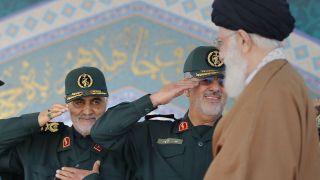 نامه سردار سلیمانی به رهبر انقلاب: به عنوان سرباز مکلف شده از جانب حضرتعالی پایان داعش را اعلام میکنم/ آمار خسارت 500 میلیارد دلار است/ 6 هزار نفر به نام اسلام خود را منفجر کردند