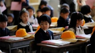 آشنایی با آموزش و پرورش ژاپن/ وقتی نظافت مدرسه به دانشآموزان سپرده میشود +عکس