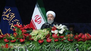 روحانی در مراسم سی و نهمین سالگرد پیروزی انقلاب اسلامی: اصلاح طلب، اصولگرا، معتدل ،همه بیایند تا با هم باشیم./همه رسانه ها واقعیت های کشور برای مردم و دنیا به خوبی منعکس شود