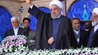 روحانی اردیبهشت ۹۶ در سفر انتخاباتی یزد: ما در گذشته، صبح نمیدانستیم ساعت ۱۱ظهر قیمت دلار چند می شود