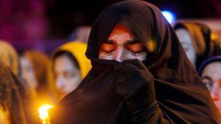 شمع های مردم پادنا به یاد کشته شدگان هواپیما