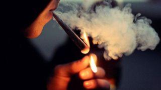 کاهش شنوایی در کمین سیگاریها