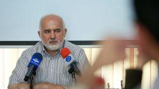 انتقاد توکلی از ابقای مجدد نجفی توسط شورای شهر/ کسی را برای مبارزه با فساد کنار نمیگذارند