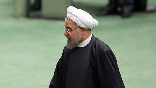 سوال نمایندگان مجلس از روحانی درباره حقوق وزرا و معاونین دولت+ جزئیات